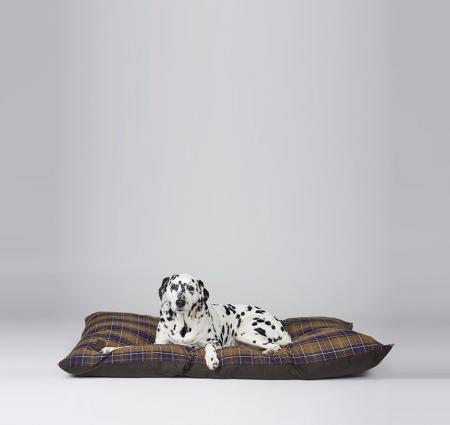 Barbour Large Wax Cotton Dog Duvet UAC0100TN111