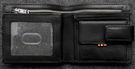 Tudor Everyday Wallet in black Leather
