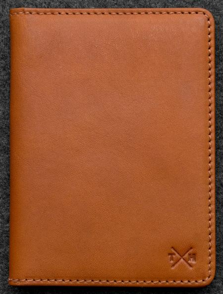 Tudor Passport Holder in Leather TH2319TDR